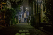 夜 家の外